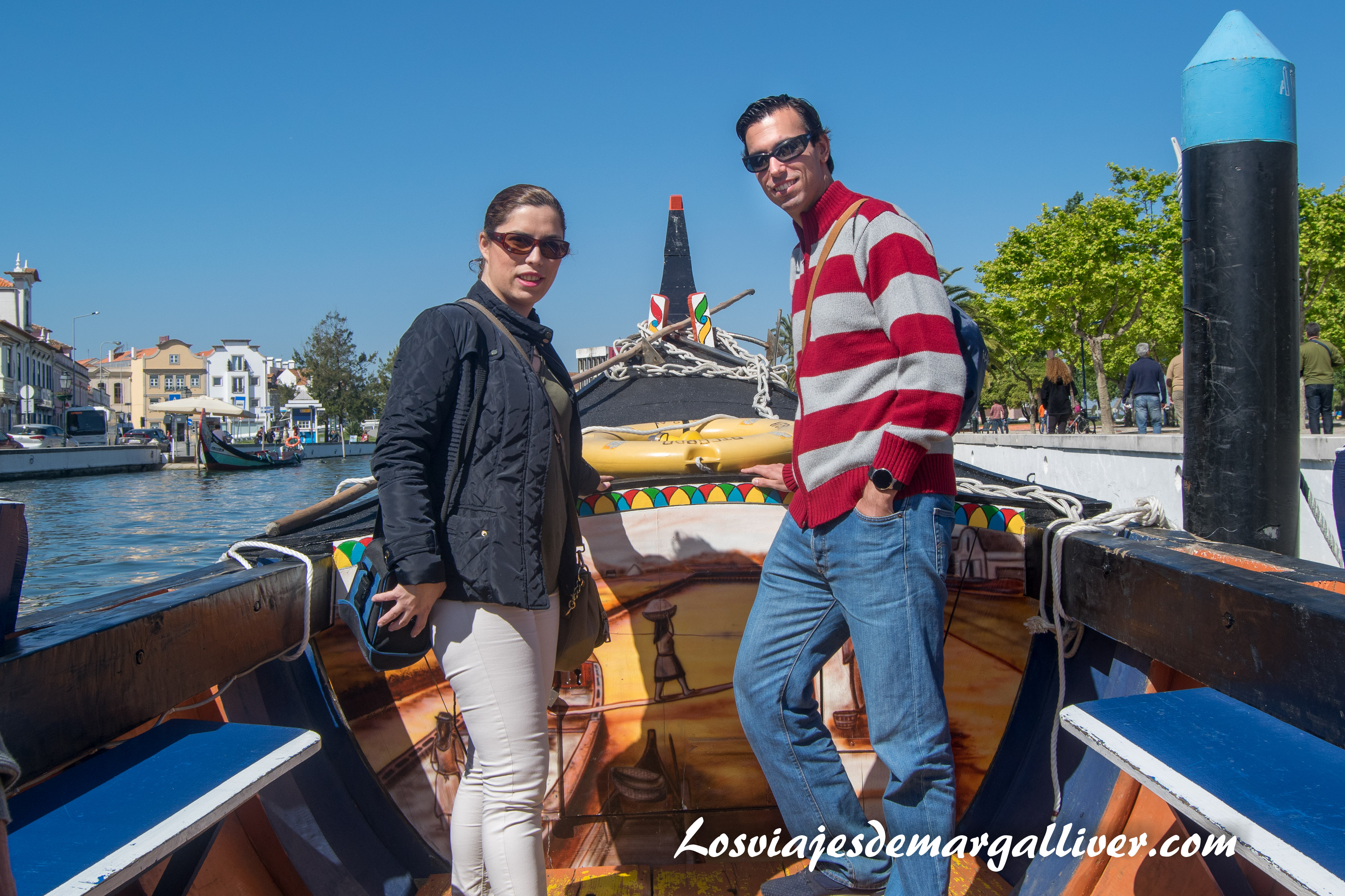 El equipo Margalliver en un moliceiro en Aveiro - los viajes de margalliver
